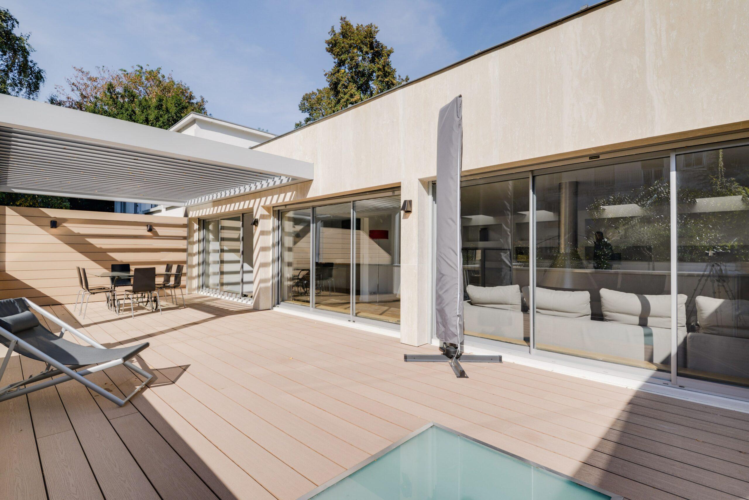 paris-16-renovation-appartement-duplex-terrasses-patios-architecture-interieur-favresse-architectes-01-min