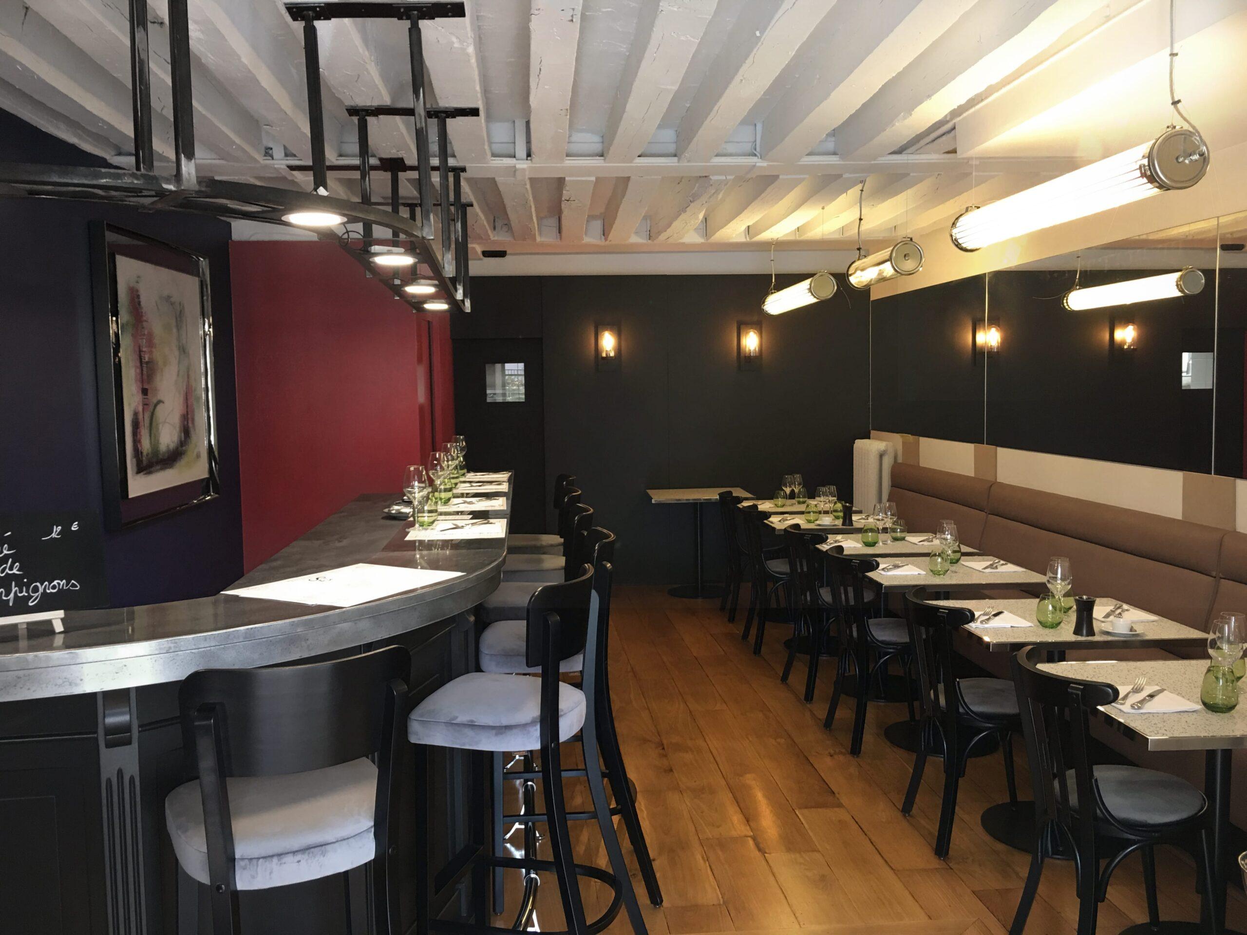 bleu-blanche-rouge-versailles-amenagement-restaurant-architecture-interieur-favresse-architectes-01-min